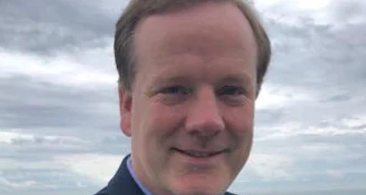 """""""Naughty Tory"""" Ex MP Charlie Elphicke dumped by wife on Twitter minutes after court trial"""