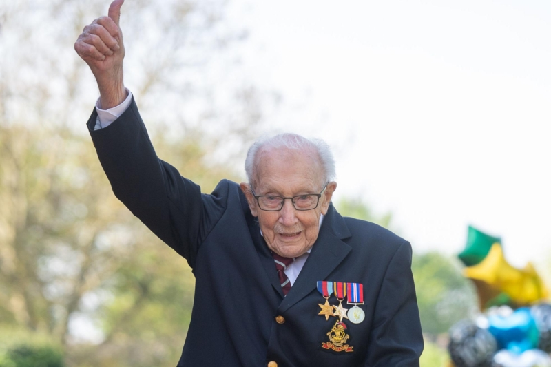 Watch as Captain Sir Tom Moore is knighted by the Queen