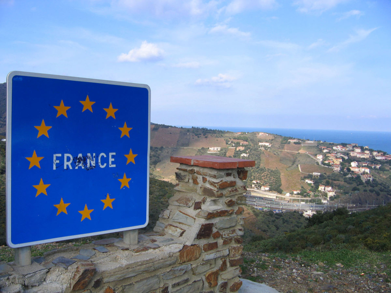Holidays under threat as France doesn't rule out closing border with Spain due to coronavirus outbreaks