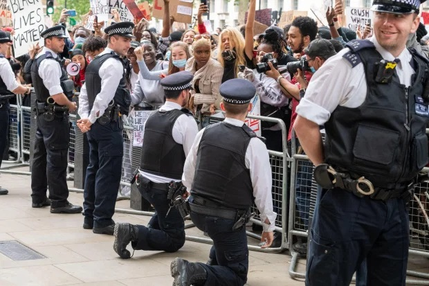 UK police were TOLD TO KNEEL by bosses during BLM protests so they would not be targeted