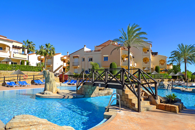 Spain's Club La Costa on the Costa del Sol Gives Up On Winter And Returns Points