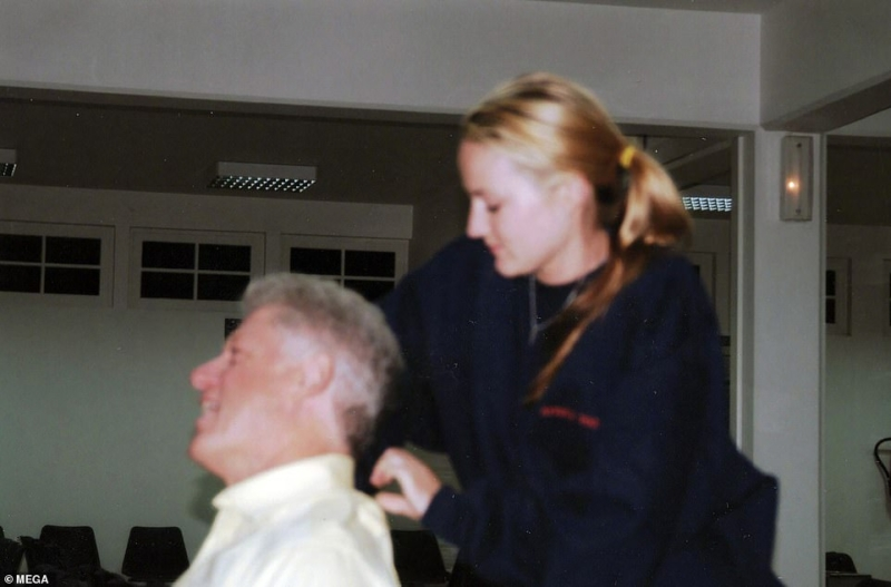 Breaking Ghislaine Maxwell: Picture shows Bill Clinton receiving massage from Jeffrey Epstein victim