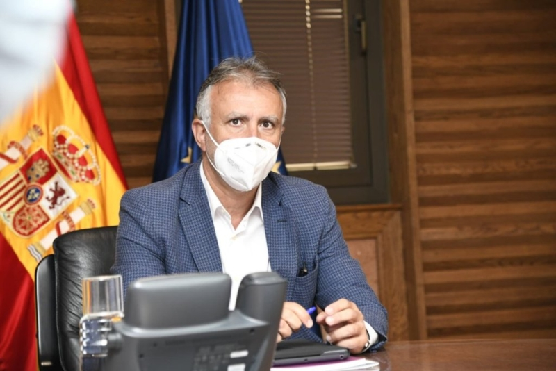 Breaking news: Canary Islands ban smoking in public and masks to be worn at all times