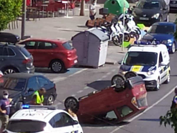 Driver blacks out and rolls his car in the middle of the road on Spain's Costa Blanca near Benidorm