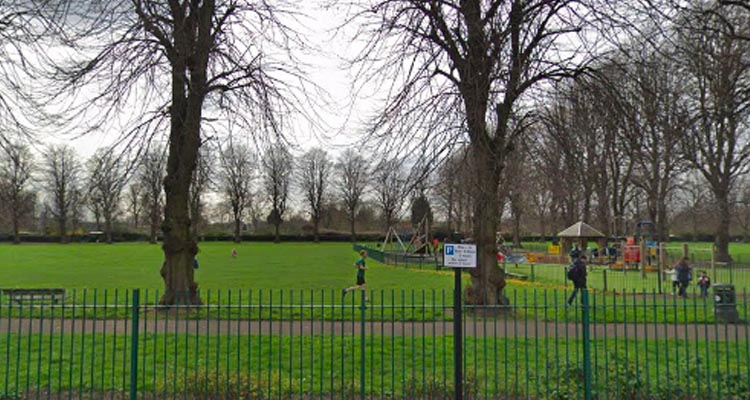 Body of man in his 30's found dead in North London park
