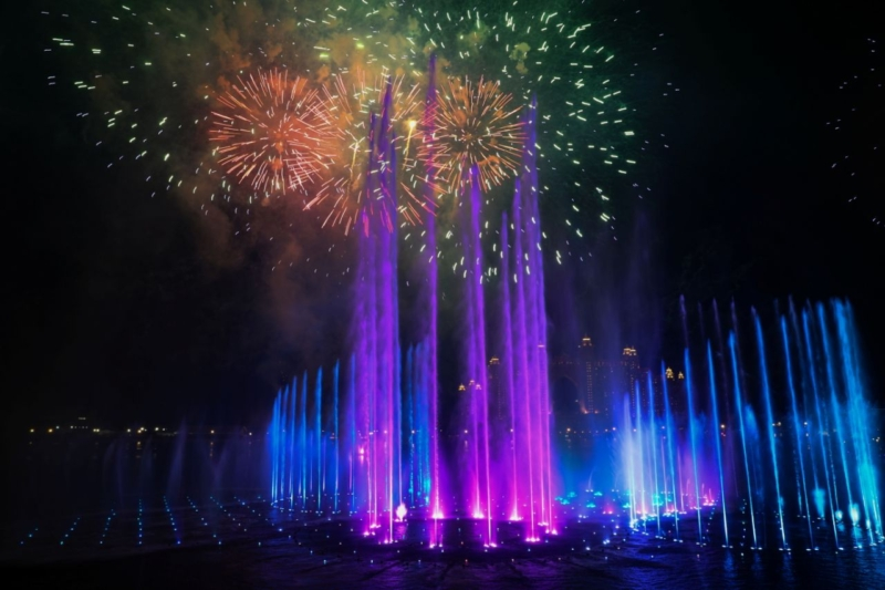 Spectacular fountain in Dubai crowned largest in world breaking record