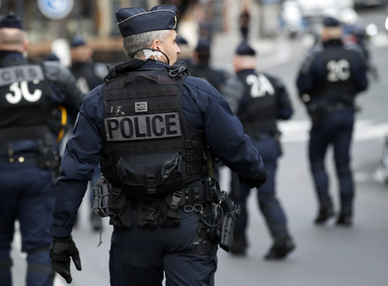 France increases police patrols during one month lockdown