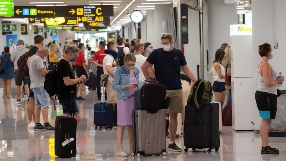 Good news for holidaymakers heading to Spain's Canary Islands As President signs decree