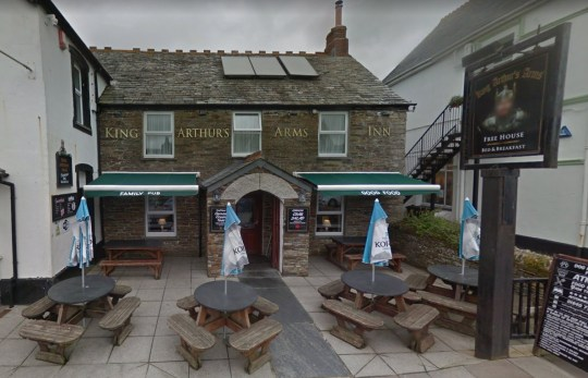 Cornish pub closes due to abuse from Tier 4 Travellers