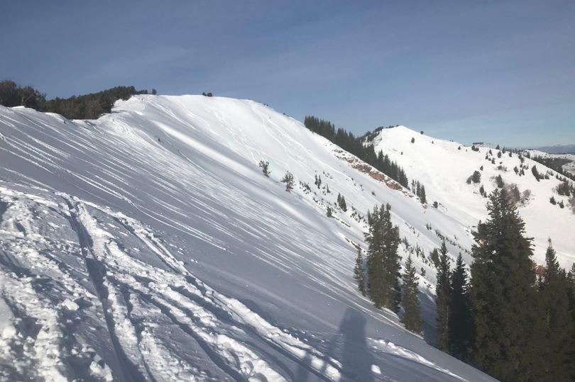 Avalanche kills 4 skiers in Utah