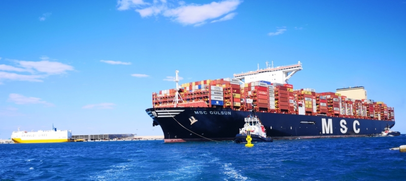 Spain's SHIPPING HELL as container ships thrown into lockdown at Valencia Port