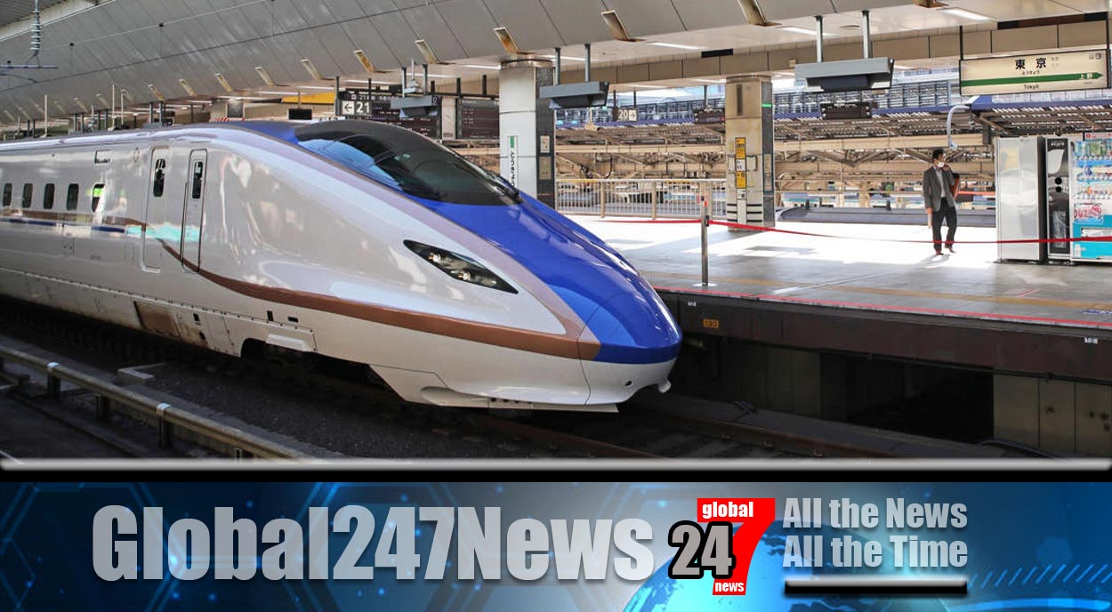 JAPAN: Bullet train driver levels controls to use the loo