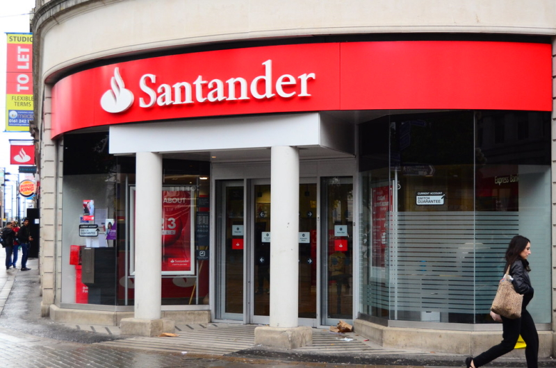 Santander Bank Staff Leaking Information To Scammers