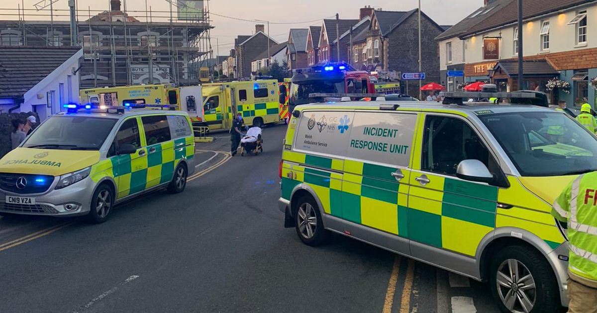Breaking News: Car leaves road in Pontyclun and hits drinkers sat outside pub